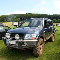 Photo of a Mitsubishi Pajero 3.2 DI-D Elegance Long 2005 off-roading