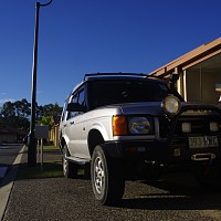 Photo of a Land-rover Discovery 2.5 D Automatic 1999 off-roading