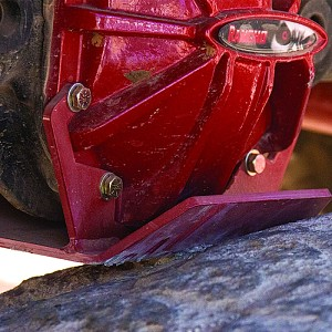 Picture of Rancho rockGEAR Rear Differential Glide Plate - Red