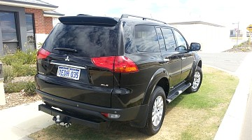Picture of a Mitsubishi Challenger Wagon 2012