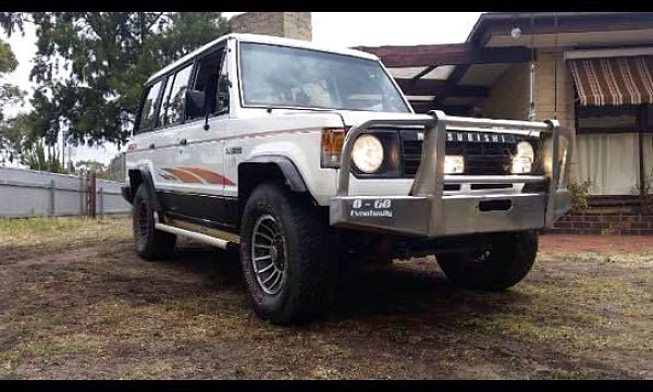 Picture of Mitsubishi Pajero NF V6 3000 1989
