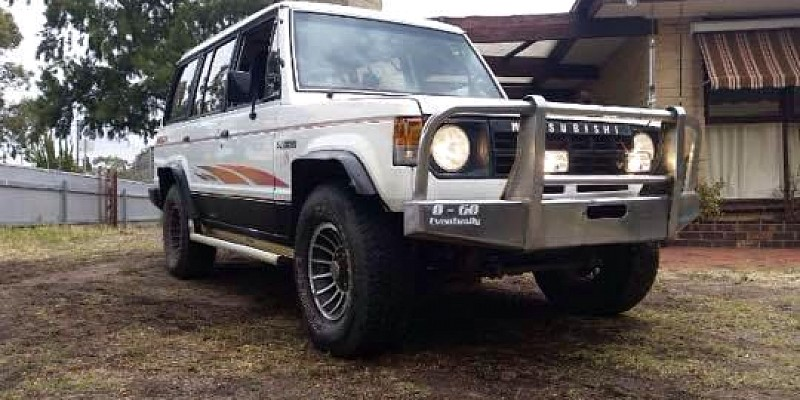 Mitsubishi Pajero NF V6 3000 1989 Off-Road Photo
