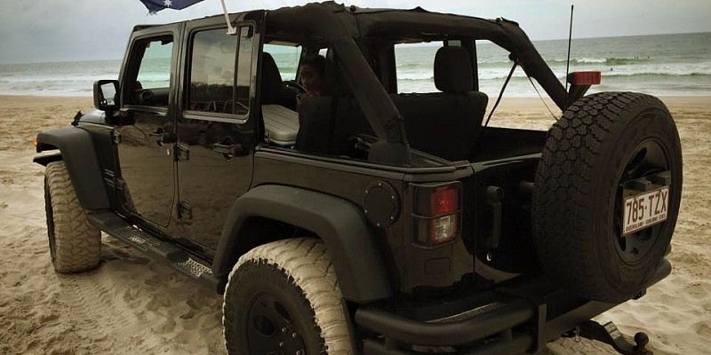 Jeep Wrangler Unlimited Sport 2012 Off-Road Photo
