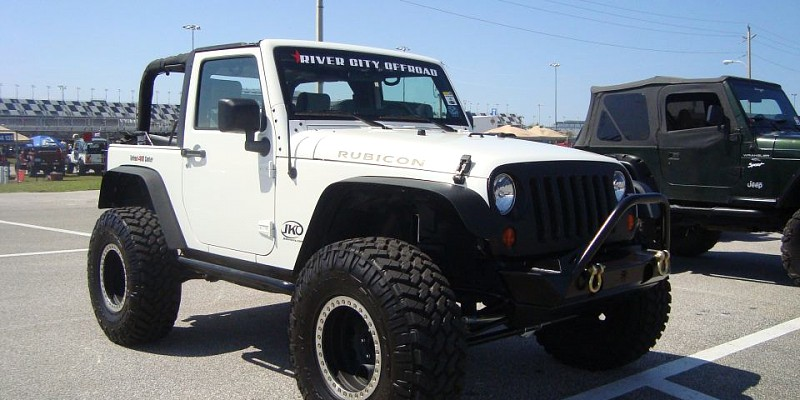 Jeep Wrangler Sport 2012 Off-Road Photo