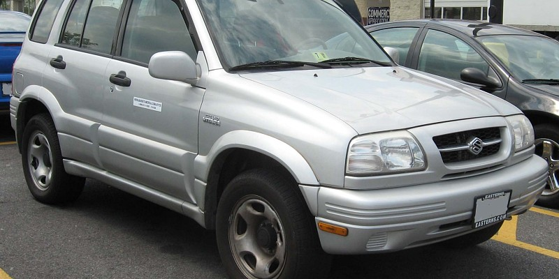 suzuki Grand Vitara  2001 Off-Road Photo